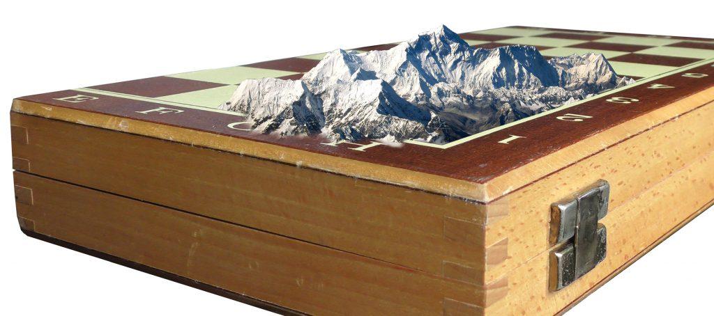 Mount Everest auf Schachbrett - Fotomontage von Frank Jankowski